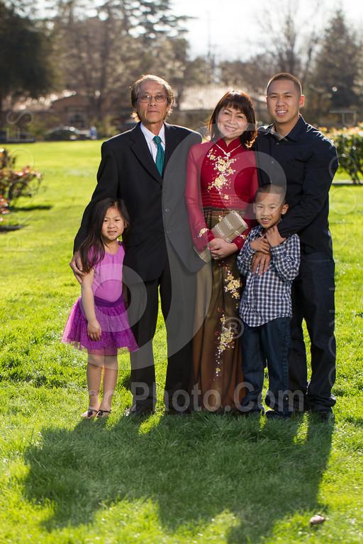 2014-02-23-uyen-family-4642