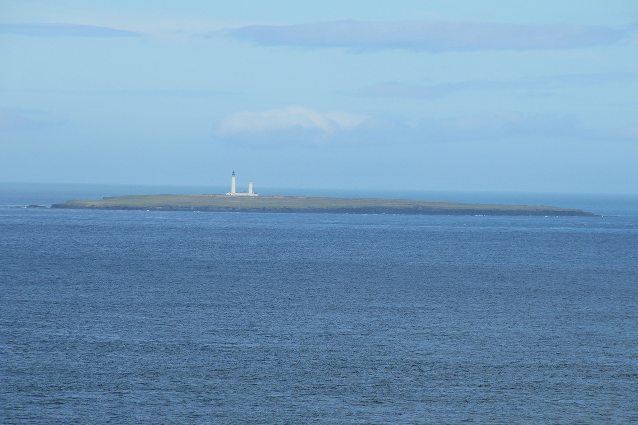 A closer view of the two lighthouses from Wick - much clearer.