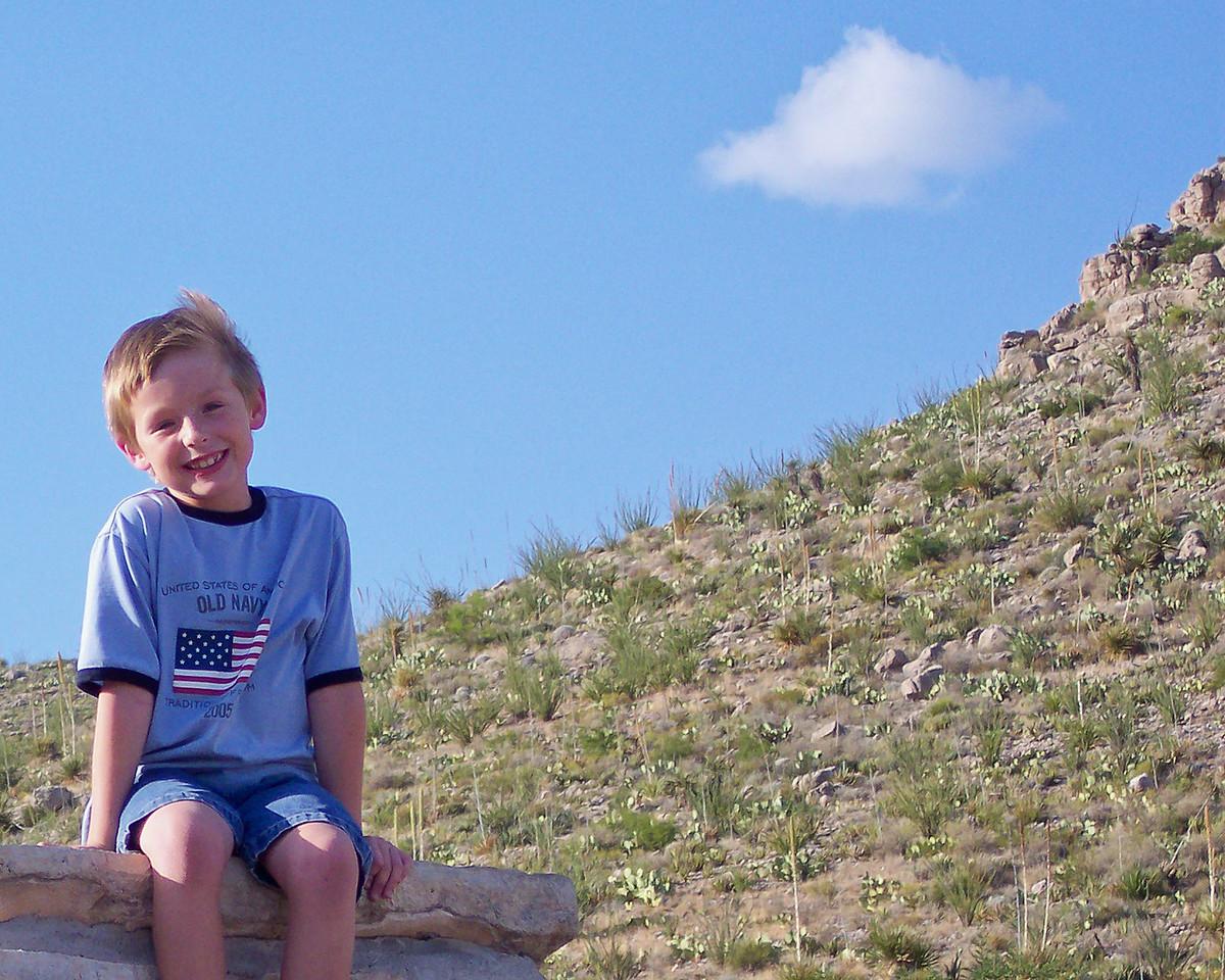 Jack sits atop the Carlsbad Caverns sign.