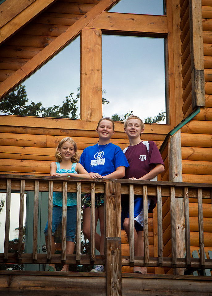Caroline, Katie and Jack at our mountain cabin (via VRBO).