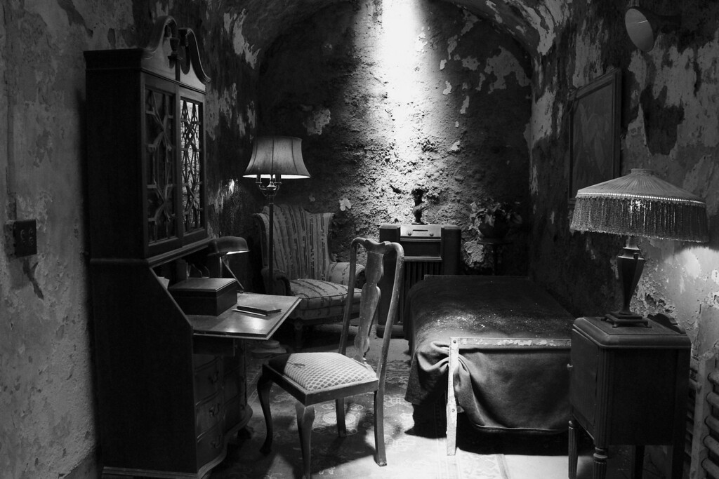 Al Capone's hotel stay.  Special treatment?