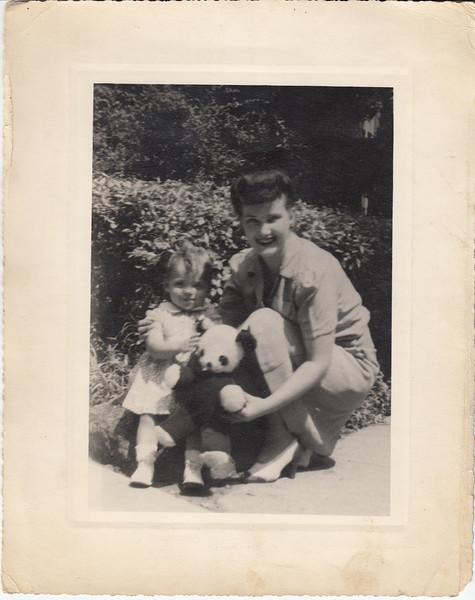 Sheryl (Van Etten > Finkenstadt) and Val Van Etten (later Sousa) - date unknown.
