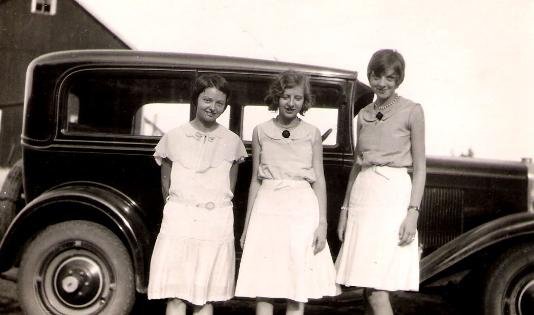 verna mae with friends by car