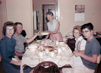 vm serves dinner