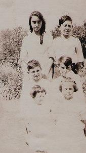 Carrie, Elmer, Lewis, Floyed, ida and Verna Mae Bennett