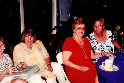 Vicki's Pictures Mom, Vicki, Marcia and