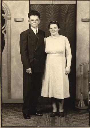 John & Sallie Detwiler - wedding photo?? (John Detwiler & Sallie Detweiler Detwiler - Lydia Detweiler's sister)