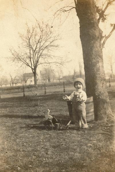 Our Grandpa Hunsberger, Earl Hunsberger Jr., at age 18 months? (circa Mar.1921) - Sepia version