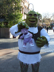 Shrek wasn't sure about Violet, he thought she was too cute, and Shrek really doesn't like cute.