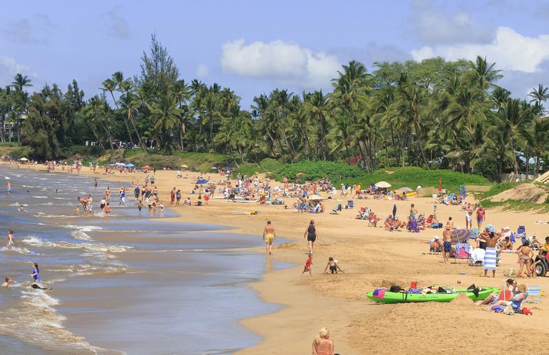 More beach-goers at Kamaole Beach 1.