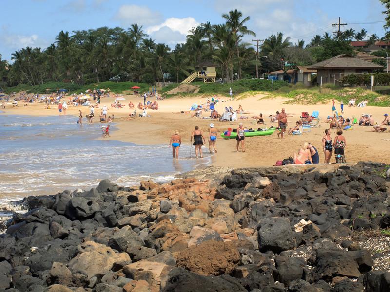 Beach-goers at Kamaole Beach 1.