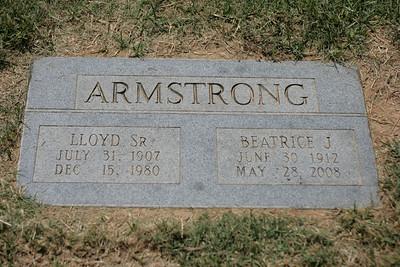 Visiting Grandma's Grave Jul-Aug '08