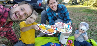 Austell's thanksgiving dinner at the tree lot in Atlanta 11/2020