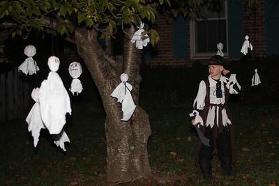 Aaron among the ghosts