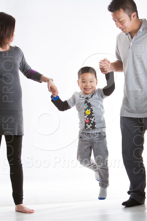 2013-03-16-vivian-ben-kole-family-4998