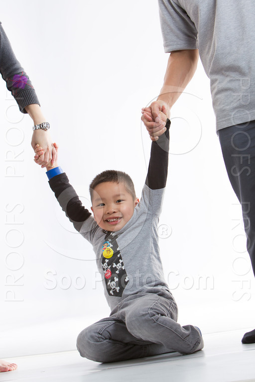 2013-03-16-vivian-ben-kole-family-4996