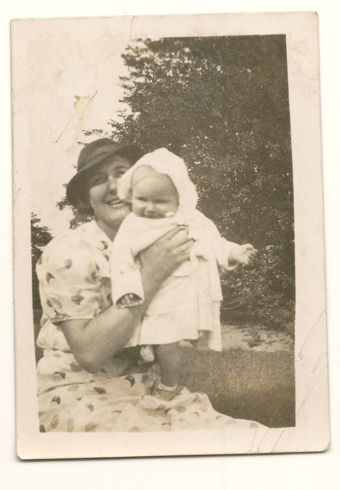 Ivy Waddington with daughter Brenda (in year 1936-37)