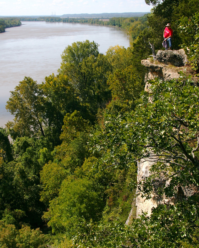 On Monday, Al, Dave, Rena, and I hiked a trail named after Lewis and Clark located near the Katie Bike trail west of St Louis. The trail overlooks the Missouri River.