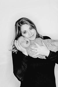 00002--©ADHPhotography2018--Watkins--NewbornFamilyMini