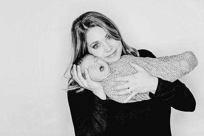 00008--©ADHPhotography2018--Watkins--NewbornFamilyMini