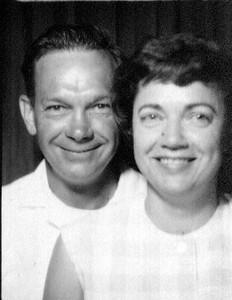 Wayne&Bonnie at Lagoon 1946