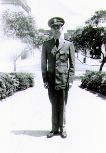 Lt jg Wayne J Eldredge, Lees Circle, New Orleans, LA, May 1944