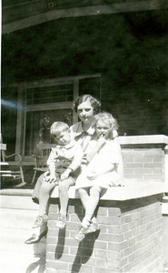 Wayne, Aunt Mary & Bette Eldredge