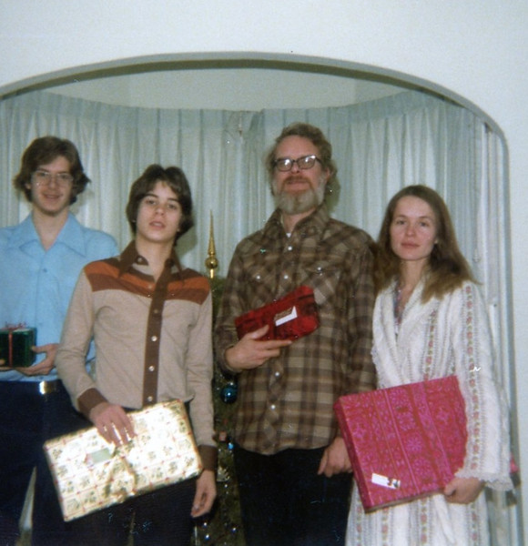 Soren, Eric, Sayre & Bonnie Christmas 1981 (?)