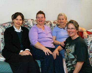 Joanna, Jenny, Mom, and Linda.
