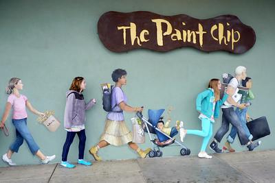 Christiana and Juliana join the mural