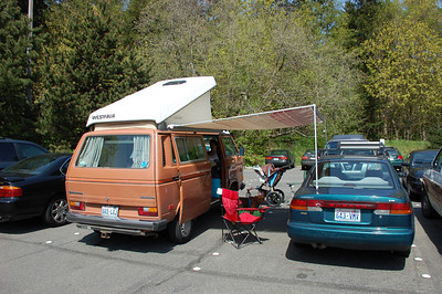 tailgating at discovery park with foxes
