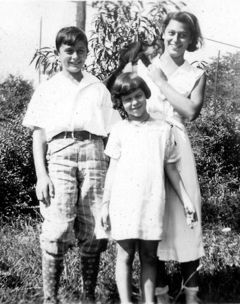 Stanley, Ruth, Jeannette ca 1932