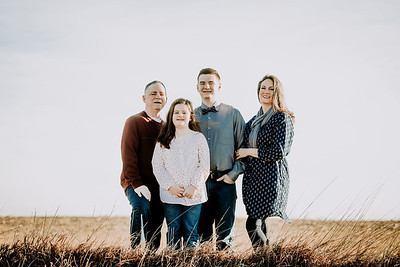 00009--©ADHPhotography2018--Weimer--Family