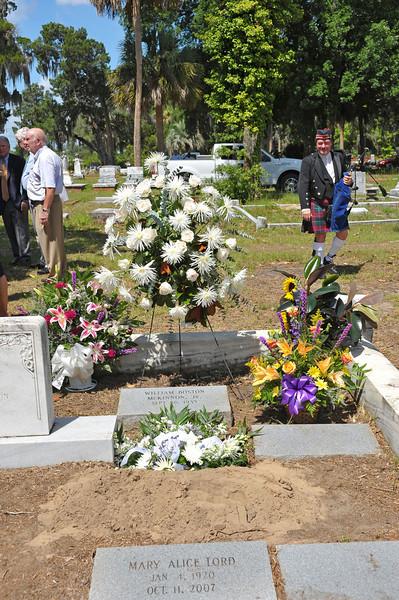 Billy McKinnon Funeral 06-23-10 at Palmeto Cemetery in Brunswick, Georgia