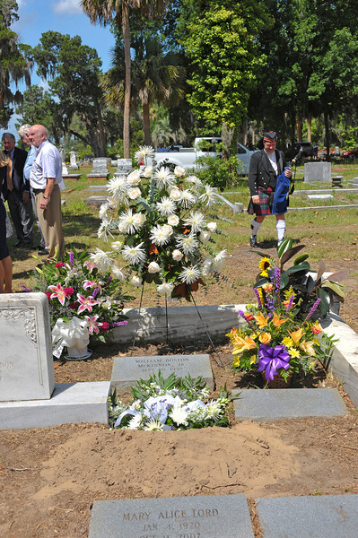 Billy McKinnon Funeral 06-23-10 at Palmeto Cemetery in Brunswick, Georgia