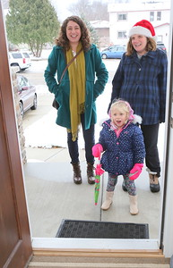 Surprise ! Laura Stoesz & Erica and Ruth at the door