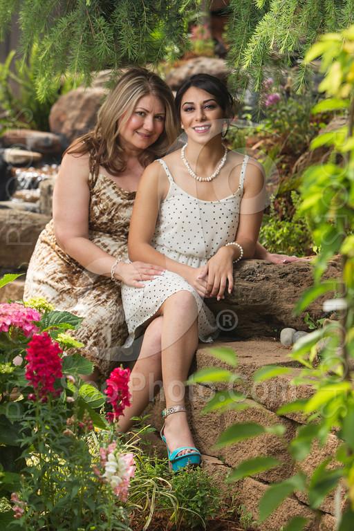 2014-05-17-yadegar-senior-prom-family-5138