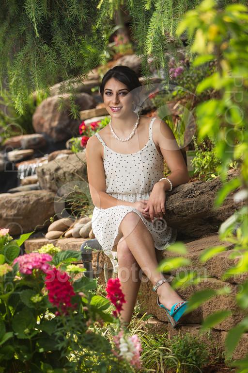 2014-05-17-yadegar-senior-prom-family-5129