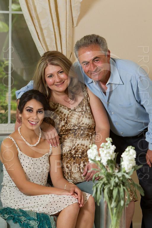 2014-05-17-yadegar-senior-prom-family-5113