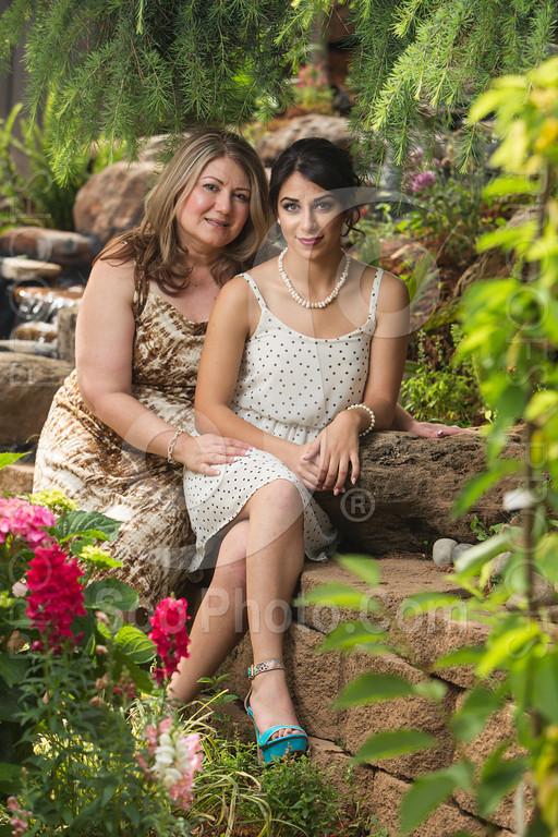 2014-05-17-yadegar-senior-prom-family-5141
