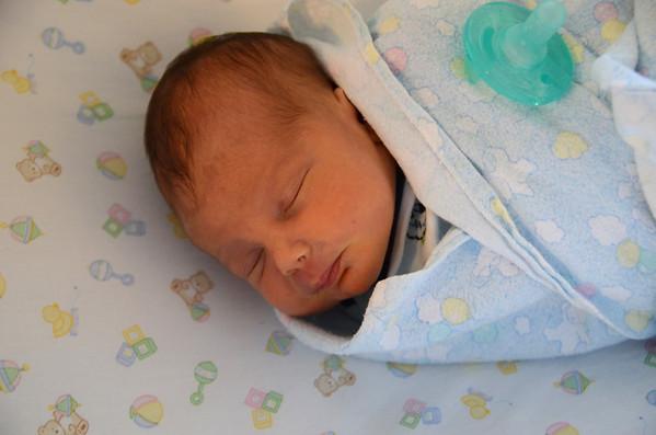 Zachary Dean Beu - 6 Days Old