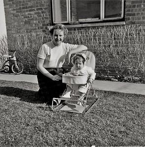 MOM & LYNN APRIL 1958