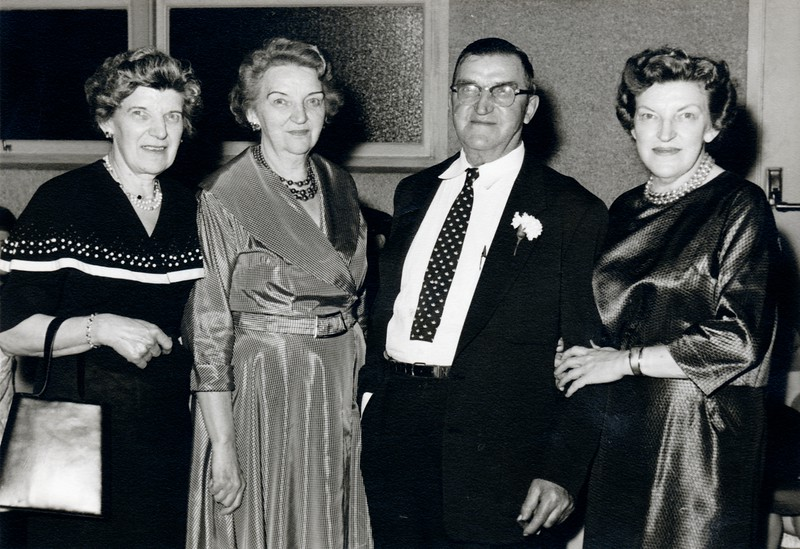 Fran Theresa Frank Lillian (at oli's daughters wedding)