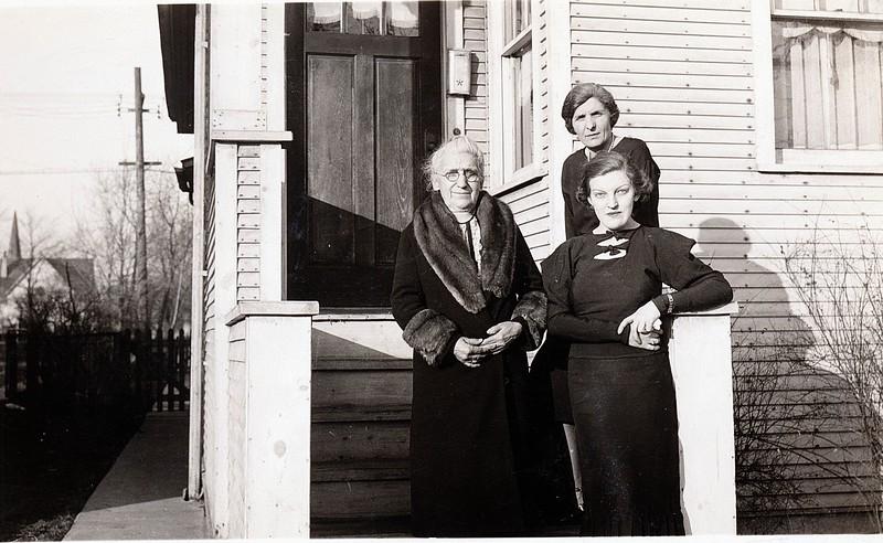 grandma lil and nonnie