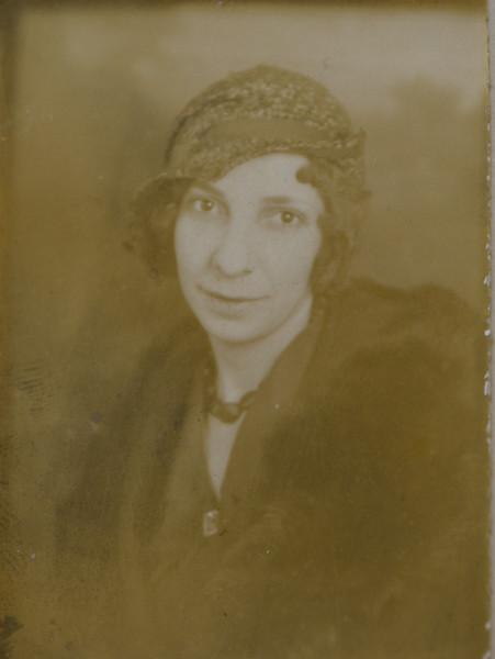 Gladys S Cabana