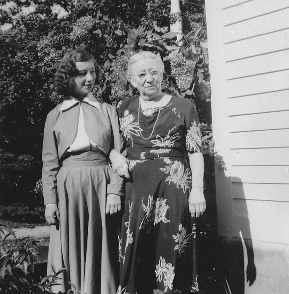 Eugenia Cabana and Joan Thurston 1949