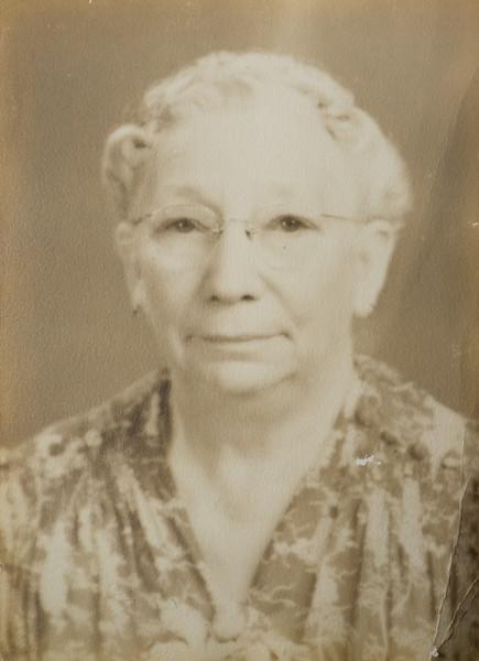 Stephanie B Bishop née Belanger