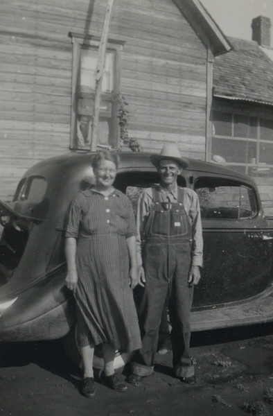 Calvin Henderson Huff and Linnie Lee Huff (née Smith)