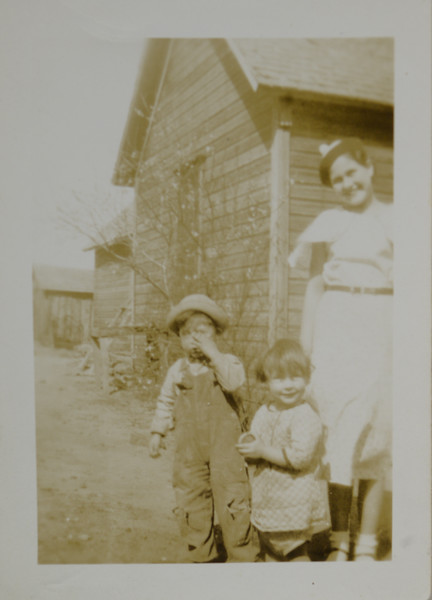 Odell Henderson Huff, Alice Geneva Huff, and Ina Artisa