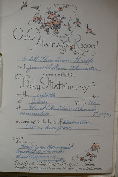 Marriage certificate of Odell Henderson Huff and Joan Lillian Thurston